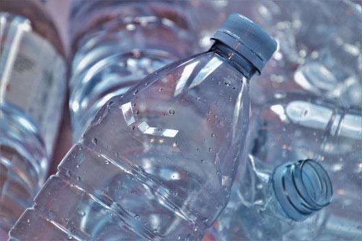 Pfandflaschen - Bild von pasja1000 auf Pixabay