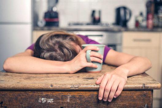 Müde Erschöft Schlapp Kaloriendefizit