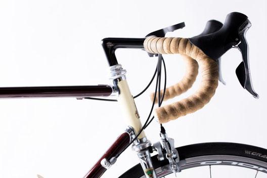 機能を加えて差別化するヘルメット