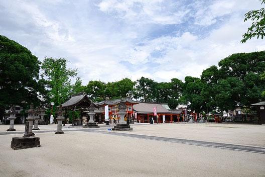 境内には恵比寿様を始めとしていくつも神社がある