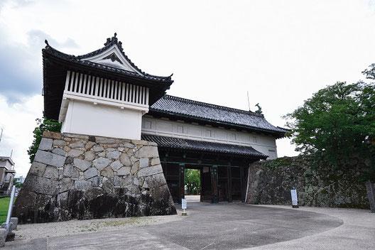 重要文化財鯱(しゃち)の門