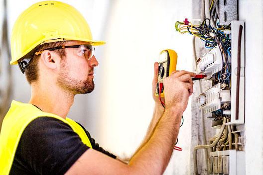 cuánto gana un electricista