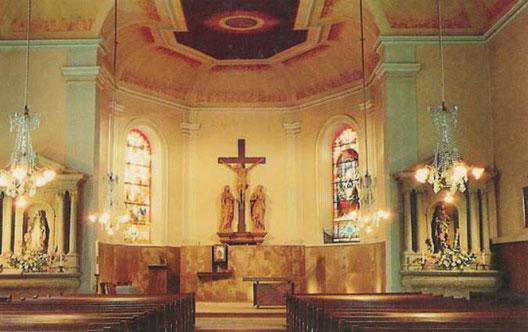 Photo du chœur de l'église de Niderviller après la restauration de 1975