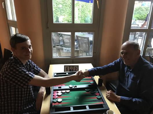 Turniersieger Zdenek Zizka (links) im Finale gegen Peter Blachian