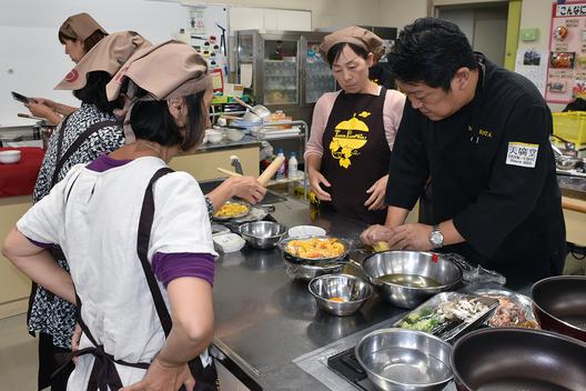 中華料理の調理実習