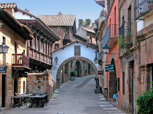 Испания в миниатюре, испанская деревня в Барселоне