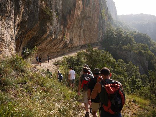 La vire d'Estre, dans les Gorges de l'Ardèche.