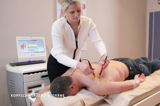 Alternative Schmerzbehandlung bei Christina Friess Studio Stuttgart Schulterschmerzen und Verspannungen
