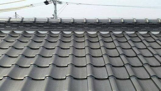 大垣市、墨俣町、安八町、瑞穂市、羽島市で屋根漆喰工事中の漆喰・屋根工事専門店。墨俣町二ツ木で屋根漆喰工事/屋根漆喰工事前後