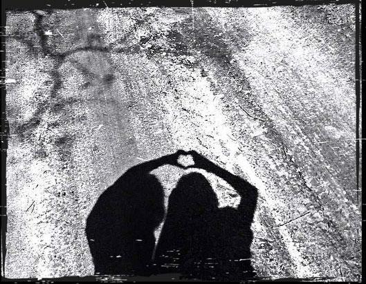 Ava Lundin Herz Schatten