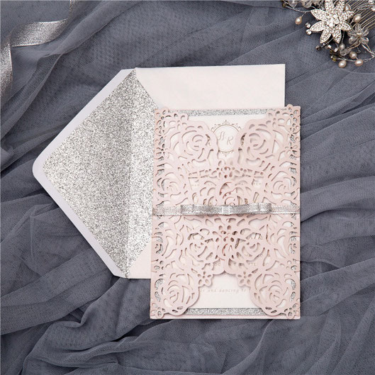 """Lasercut Karte """"Rosen"""" #B0140 mit bedrucktem Einleger und Hinterkarte Glitter Silber, Brokatband, Kuvert mit Inlay Glitter Silber"""