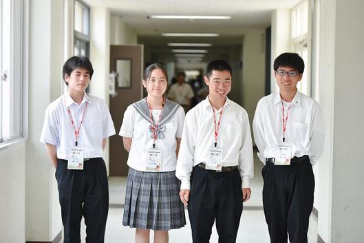 左から 増田将人くん(2年)、村田陽香さん(2年)、永田聡太くん(2年)、湯上浩太くん(2年)