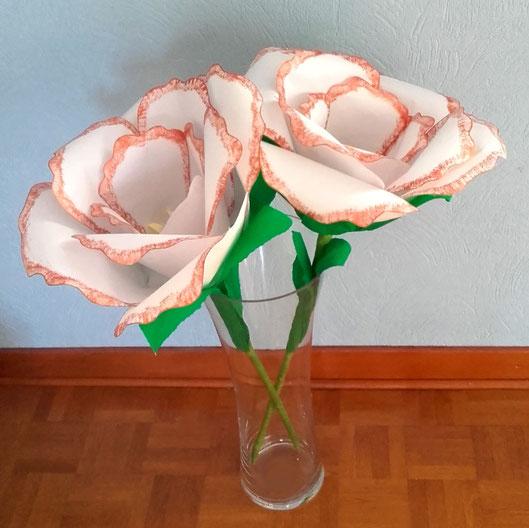 Fleurs géantes avec du papier A4