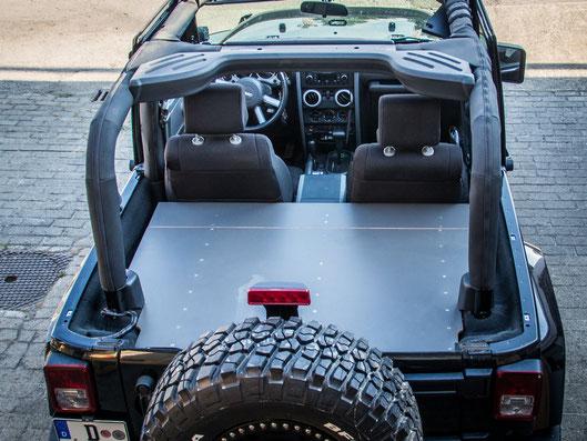 So wird der Jeep Wrangler JK zum offenen Reisemobil