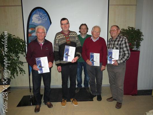Ehrung: vlnr. Heinrich Meisinger, Hilmar Schmidt, 1. Vorstand Helmut Schmitt, Reinhard Brendel, 2. Vorstand Gunther Brokt