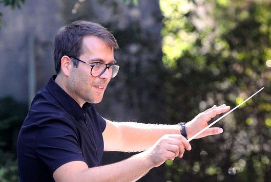 Dominique Civilotti, Dirigent des Modernen Blasorchesters Oppau beim Auftritt am Freiwilligentag 2020 (Bildrechte: MBO)