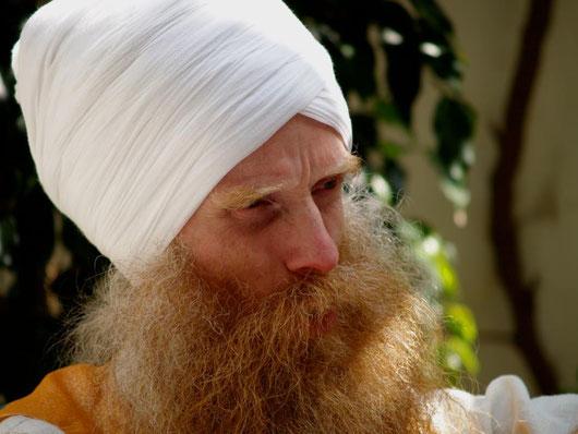 Chic Charan Singh - Begründer der Karam Kriya Gemeinschaft