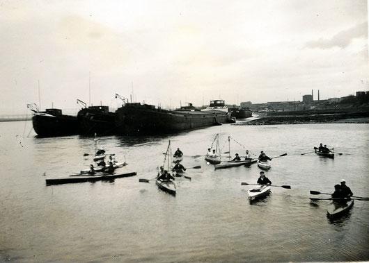 Anpaddeln am Rhein in Wanheim Anfang der 30er