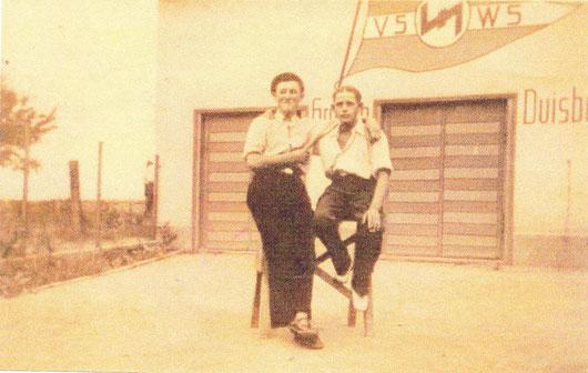 """Nach der Gleichschaltung 1933, Nazi-Wimpel """"Völkischer Schwimm- und Wassersport"""""""