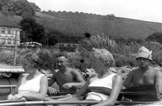 FWF-Kanuten in den Dreißigern auf dem Main, (links Lotte und Willy Hirschmann, rechts Willy Ulrich)