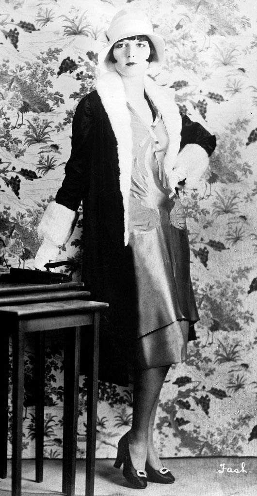 アメリカの女優ルイーズ・ブルックス(1927年)。フラッパー女優の一人と呼ばれていた。