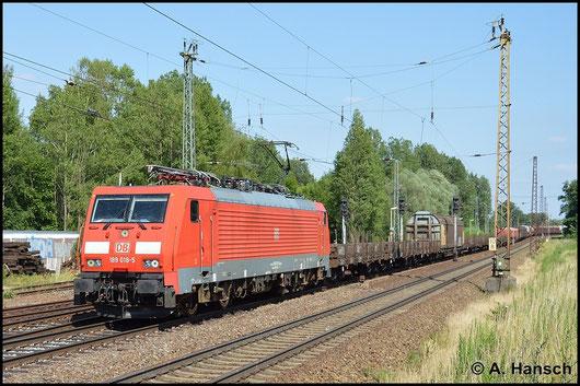 189 018-5 zieht einen Mischer durch Leipzig-Thekla. Das Bild entstand am 6. Juli 2015
