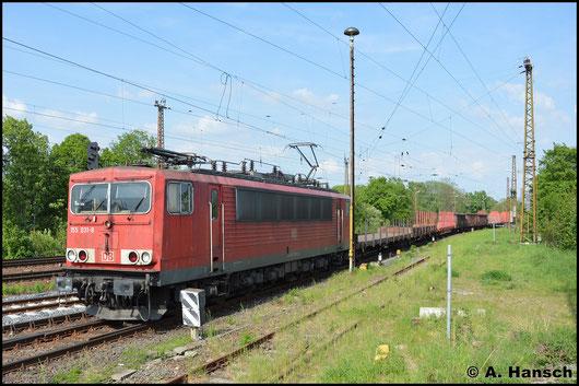 Am 11. Mai 2016 rollt 155 031-8 mit einem gemischten Güterzug in Leipzig-Wiederitzsch ein. Der Zug wird hier abgestellt und die Lok geht Lz wieder zurück
