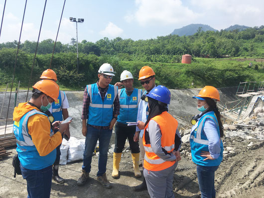 """Walk & Talk"" about security at a construction site in Indonesia"