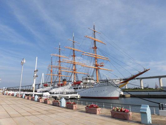 帆船、海王丸