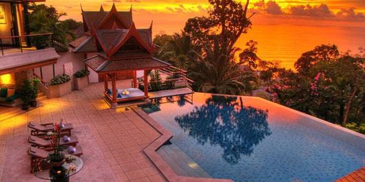 Phuket/Surin: 5-Sz.-Poolvilla mit Meerblick (Clubhouse-Stil mit Personal und Chefkoch)