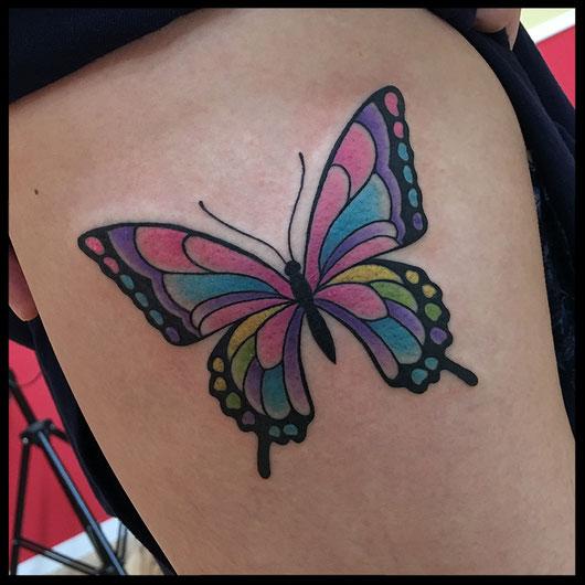 蝶々のタトゥー
