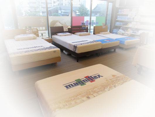 マニフレックスが福岡で一番揃う、寝くらべできる店「マニステージ福岡」