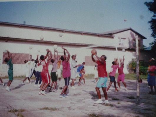 formation des jeunes filles au volleyball
