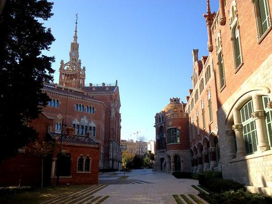 Больница Святого Креста и Святого Павла в Барселоне