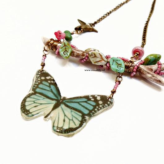 blog over het gebruik van  natuurlijke materialen in sieraden, natuursieraden, natuurlijke sieraden
