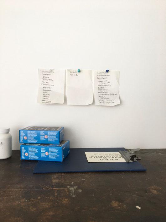 インダストリアルな雰囲気のクリップボードです。ヴィンテージの家具や雑貨を扱うオランダの店のオリジナルアイテムです。用箋バサミ バインダー 書類 保管 手紙 まとめる BRÛT ブリュット A4 A5 丈夫 木製 板 アイアン 鉄 青 緑 赤 ピンク インド シンプル 男性 珍しい おしゃれ かわいい 人気 おすすめ デザイン ブランド 画像 プレゼント ラッピング 通販 海外 輸入