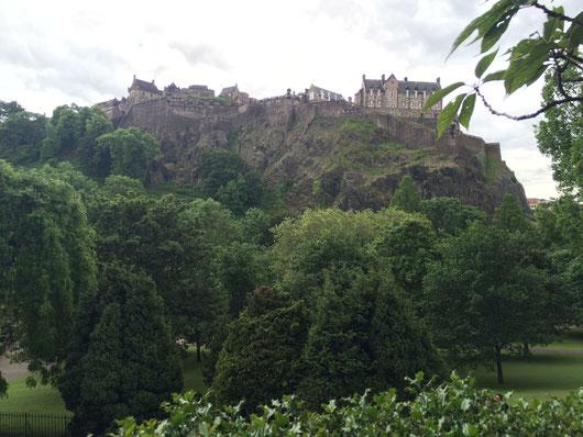 Netter Park unterhalb der Burg - vor allem nicht so viele Touristen!