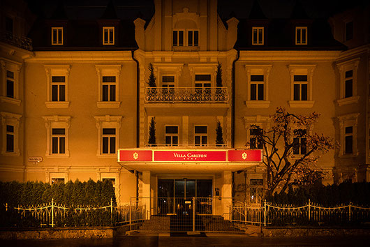 Hotel Villa Carlton in Salzburg at night