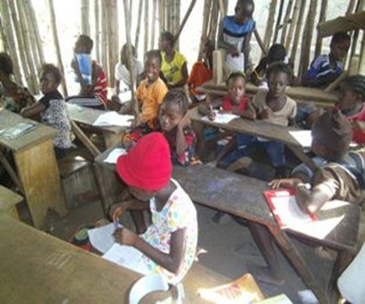 手作りの粗末な教室で懸命に学ぶ子供たち-日本よりずっと厳しい学歴社会