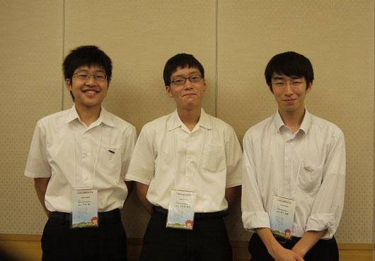左から宇田颯くん(3年)、中水流雄大くん(3年)、家入祐輔くん(3年)