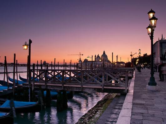 Venezia Nikon D300s,Nikon AF-S DX 18-105mm f/3.5-5.6 G ED VR, f11, 1/20s, iso 400, treppiede
