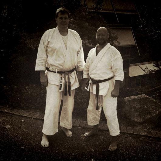 links: Sensei Markus Rues, 6. Dan DJKB-Bundesjugendtrainer, rechts: Erol Alp