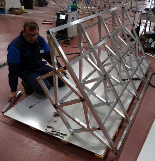 Un exemplaire réel du module CarLina est en construction à La Trinité-sur-Mer (Morbihan) pour supporter les phases de test et de validation de l'architecture du système, en commençant par la plateforme universelle passagers/fret.