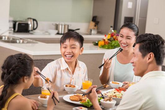 日本では子どものは家庭を明るくする生きがいとなるなど心理的価値が期待されています