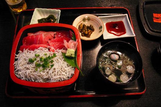 シラスとマグロの2色丼  「味は極上です」by Ken