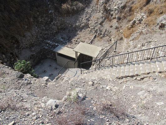 Древний тунель для защиты источника воды