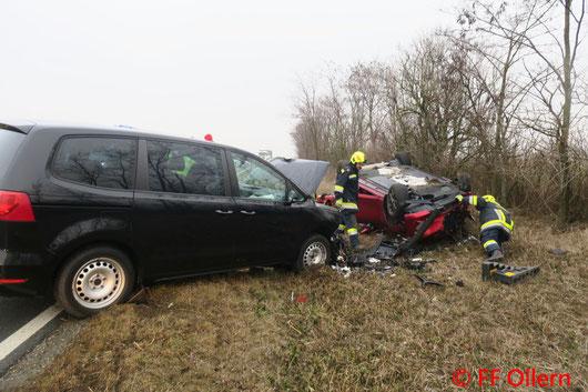 Feuerwehr; Blaulicht; FF Ollern; Unfall; PKW; Frontalzusammenstoß; Flachberg;