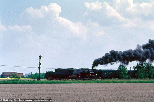 Ein Zug fährt in Herzberg/Mark ein