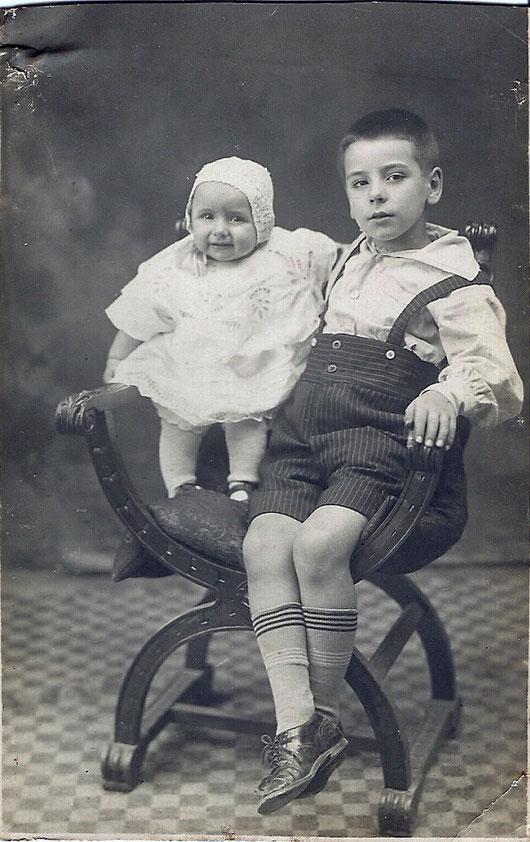MIO PADRE BAMBINO CON LA SORELLA - foto d'epoca