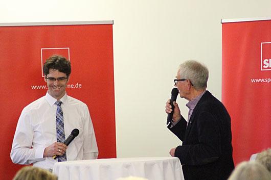 Im Bild: Netto-Expansionsleiter Marc Melchert (l.) mit Walter Hanstein, SPD-Stadtverordneter aus Elpeshof